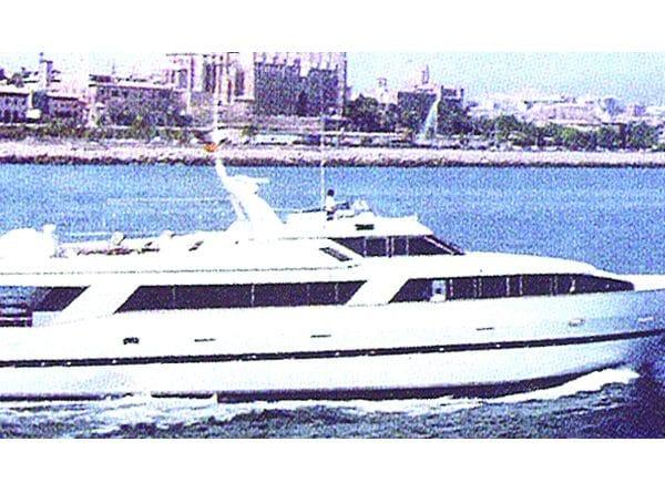 1990 sold Azimut 105 Custom2