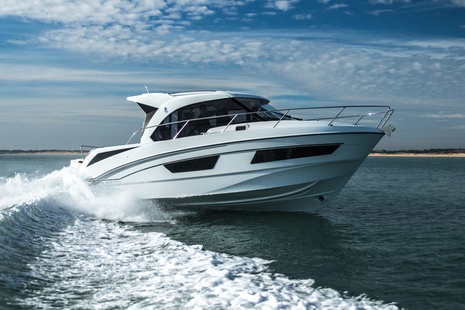 Simpson Marine - Antares Outboard 9