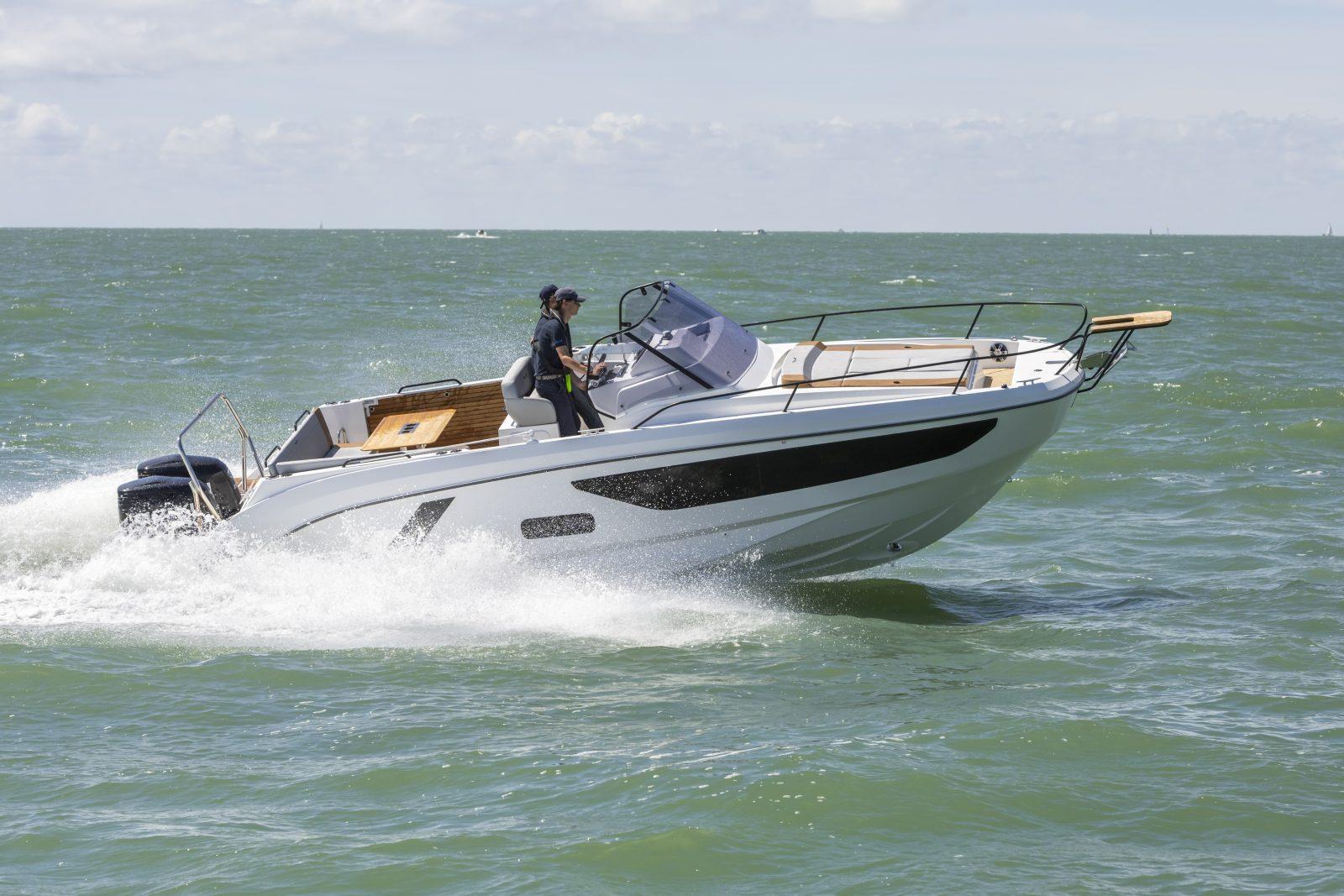 Simpson Marine - 飞扬9 阳光甲板型