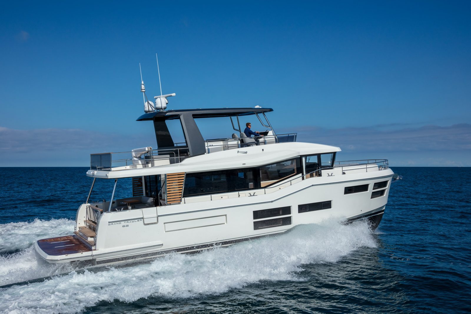 Simpson Marine - Grand Trawler 62